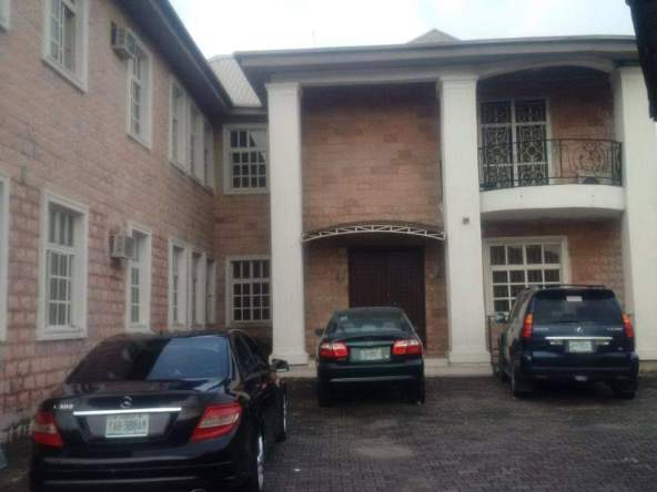 5 Bedrooms Semi-Detached with Self-Contained Mini-Flat Bungalow For Sale at Lekki Phase 1, Lagos.