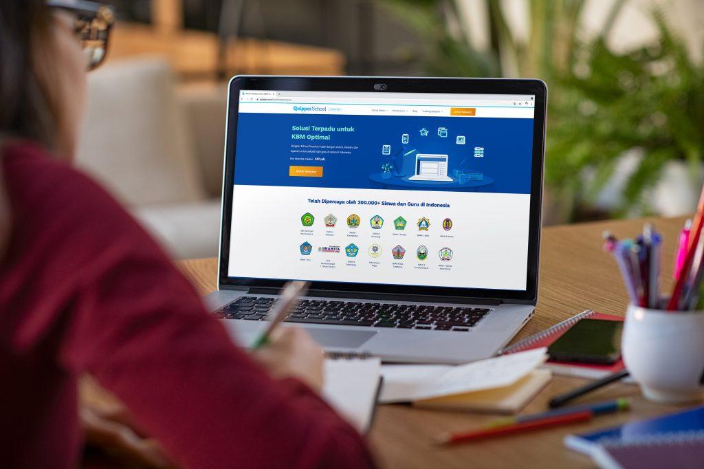 Panduan Belajar Online dan Hybrid Learning di Tahun Ajaran Baru