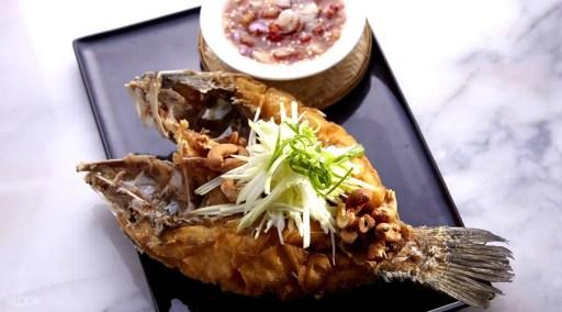 曼谷暹羅百麗宮Chilli Thai餐廳的泰式辣醬炸魚