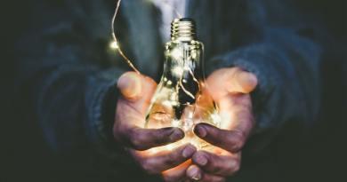 Las eléctricas y el postureo en los valores corporativos
