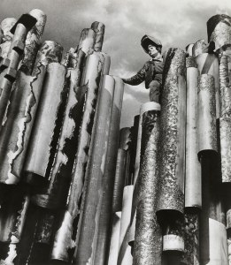 Eila Hiltunen working on the Sibelius Monument, 1966. Photographer: Otso Pietinen. Eila Hiltunen Picture Archive. Archive Collections, Finnish National Gallery
