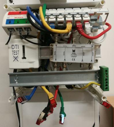 Déplacement du DTI Test sur un autre rail din du tableau de communication Siemens