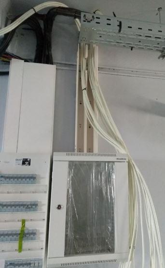 Descente des câbles RJ45 dans la goulotte