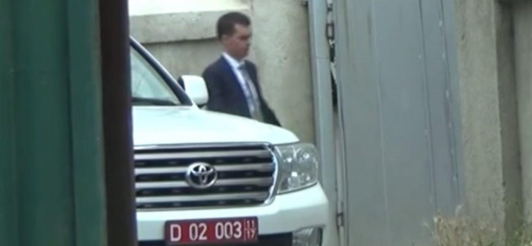 L'ambassadeur américain au Kirghizistan piégé par une caméra vidéo