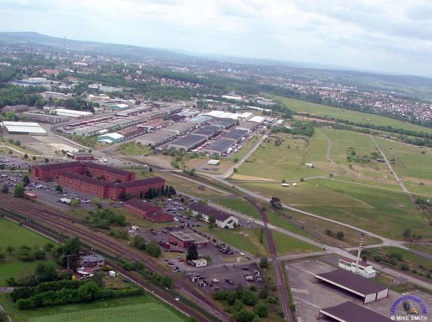 Giessen Army Depot aerial 1 Le Pentagone encercle la Russie avec des dépôts d'armes et de munitions le long de ses frontières