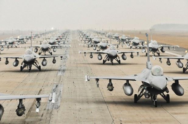 article 2267077 171BE29A000005DC 914 964x638 Le Pentagone encercle la Russie avec des dépôts d'armes et de munitions le long de ses frontières