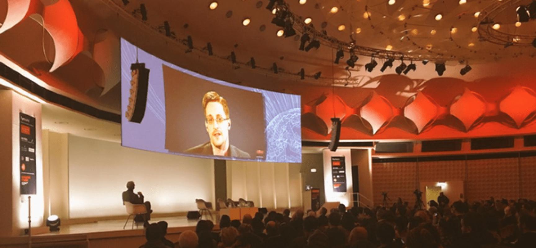 Edward Snowden: « nous devons nous emparer des moyens de communication » pour préserver nos libertés de base