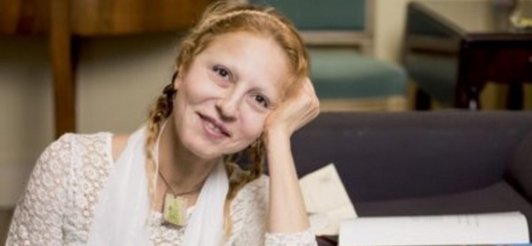 La sœur de Bernard-Henri Lévy abandonne le judaïsme et dévoile le vrai visage de son frère