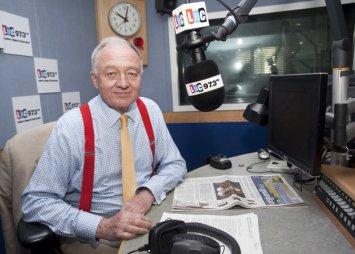Ken Livingstone dans son ex studio de LBC