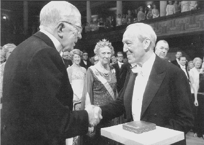 Hannes Alfvén recevant le Prix Nobel