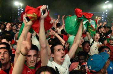 Le 2 Poids 2 Mesures Entre Supporters Franco Portugais Et Franco