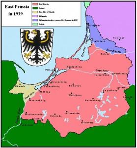 La Prusse orientale après que l'ultimatum ait été exécuté ; la région de Klaipėda / Memelland est représentée en bleu et la Prusse orientale en rose.
