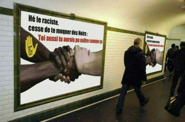 Affiche dans le métro parisien de SOS Racisme