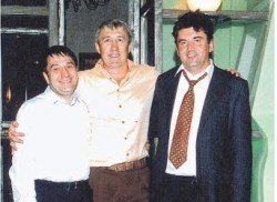 Alexander Perepelichny (à droite) avec certains de ses