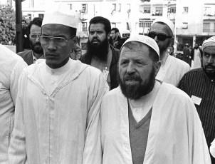 Le chef historique du Front Islamique du Salut (FIS), Abassi Madani (à droite), aux côtés du numéro deux du mouvement, Ali Belhadj, à Alger en mai 1991