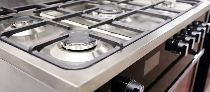 4 Langkah dan Tips Membersihkan Oven Besar Model Built-In dengan Kompor