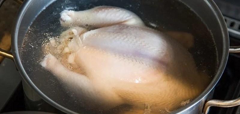 5 Cara Mudah Merebus Ayam dengan Hasil Empuk dan Sempurna