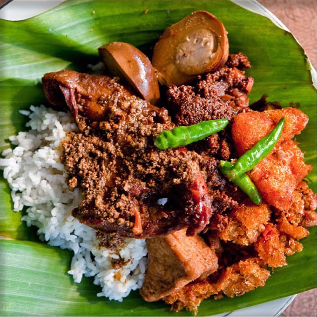 Beda Gudeg Jogja (manis), Gudeg Solo (gurih), Semarang (koyor)
