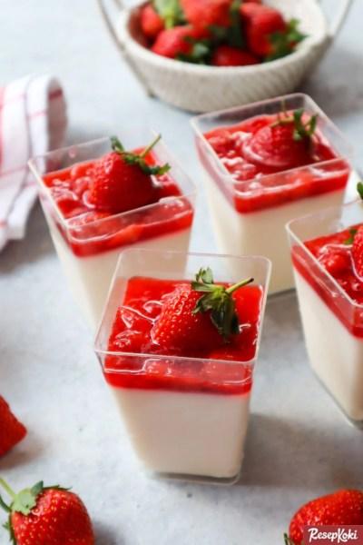 Gambar Hasil Membuat Resep Panna Cotta Strawberry