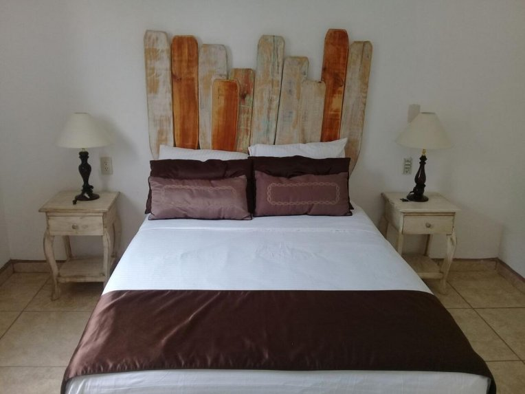 casa Raymundo suites guayabos