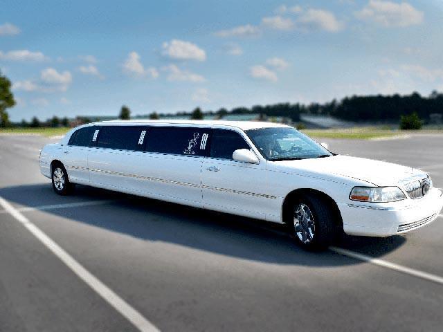 Aberdeen NC limo white exterior