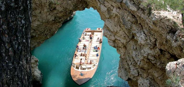 The trips to the sea caves of Gargano