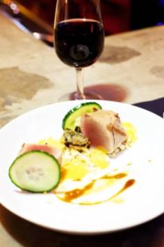 Braisenville_Filet-mignon-de-cochon,-couscous-de-choux-fleur,-emulsion-d'harissa