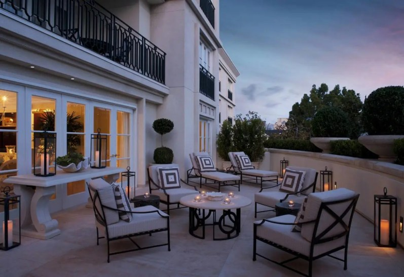 royal-patio-suite-terrace-evening