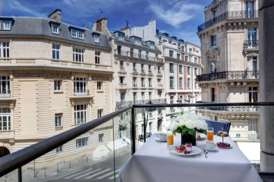 Deluxe-Suite---Balcon---Hotel-du-Collectionneur