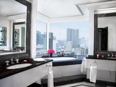 Grand-Deluxe-Harbour-View-Suite---Bathroom_H