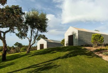 villa-contemporaine-aires-mateus-comporta-portugal-11