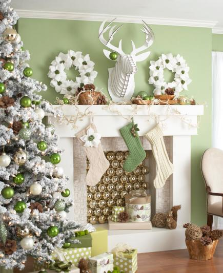 Charming Christmas Fireplace Mantel Decorating Ideas