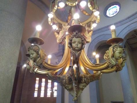 Detall làmpada de l'altar