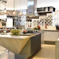 Cozinha com ambiente planejado. Residenziale
