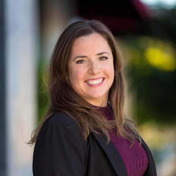 Dr. Jennifer Bahr ND