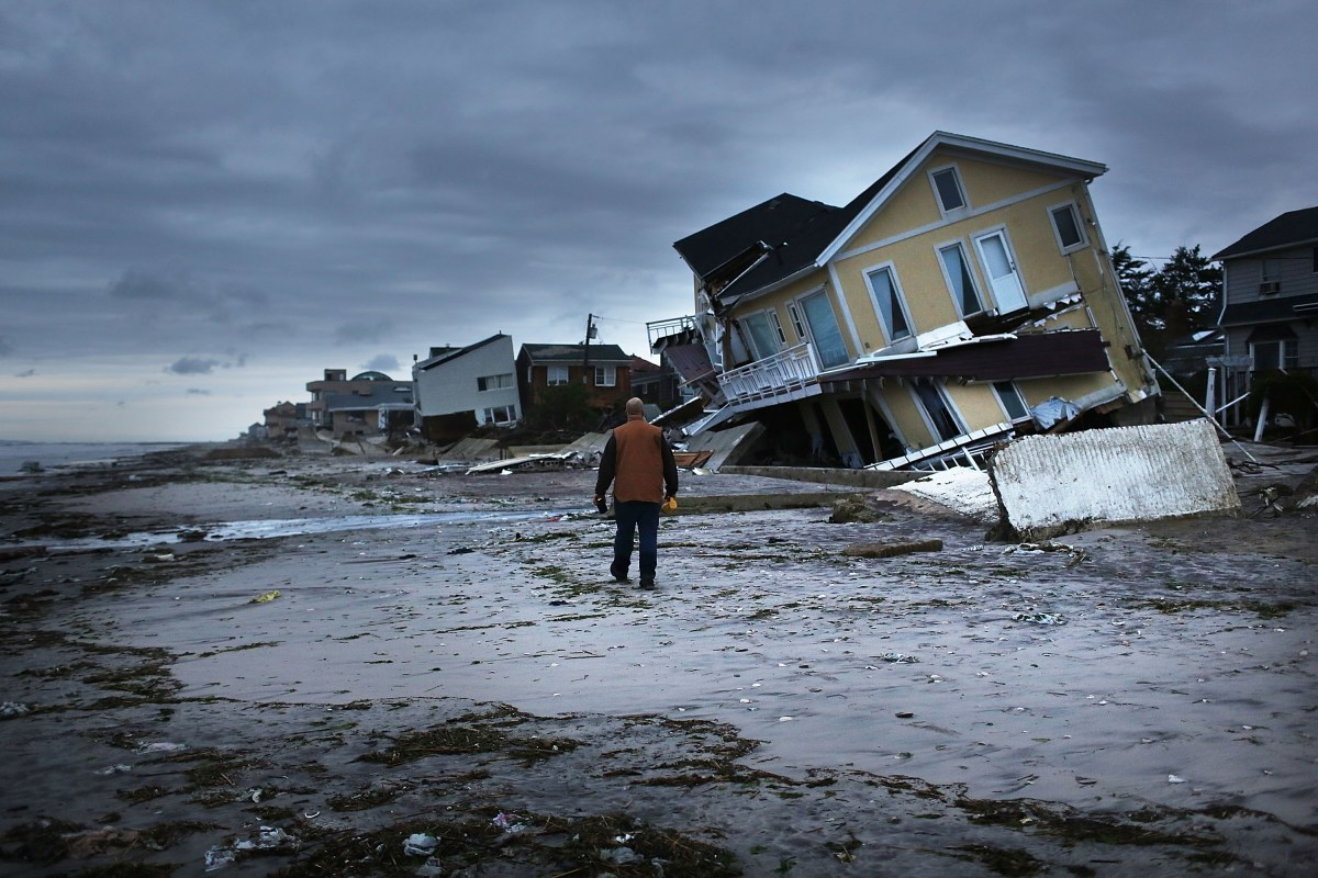 Credit rating agency issues warning on climate change to cities