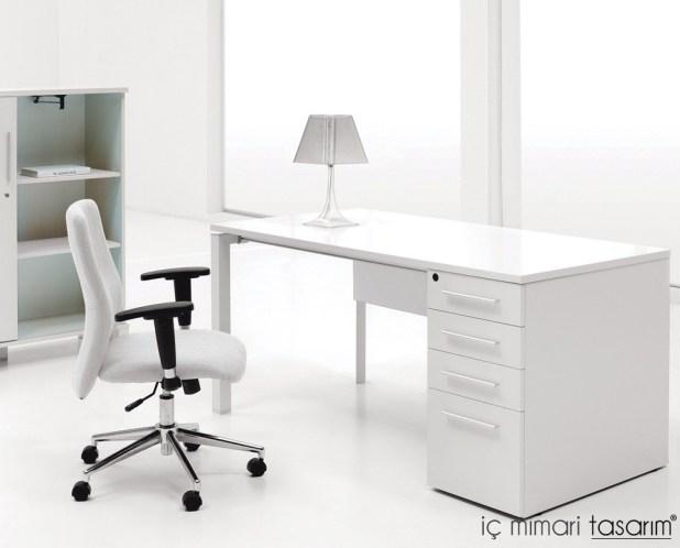 30-Tasarım-Harikası-Ofis-Masa-Modelleri (14)