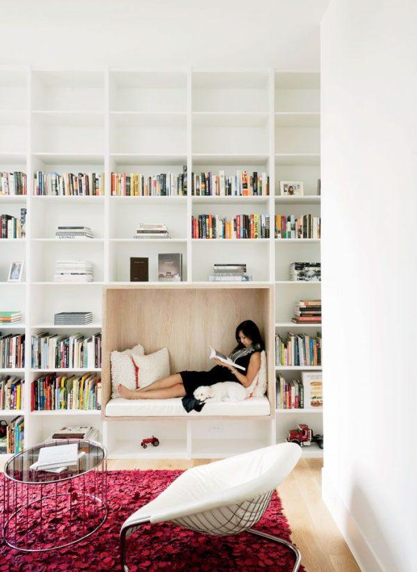 beyaz-kutuphane-okuma-kosesi