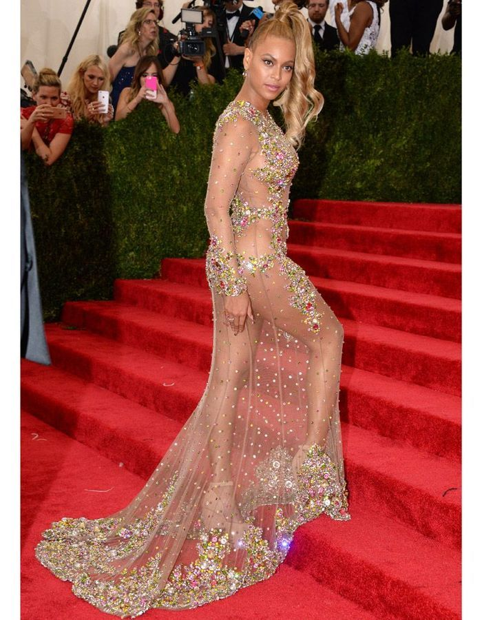 Beyoncé no vestido transparente