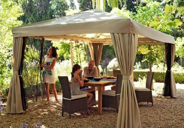 Parasols Pergolas Stores Trouvez L Ombrage Ideal Pour Votre Jardin Elle Decoration