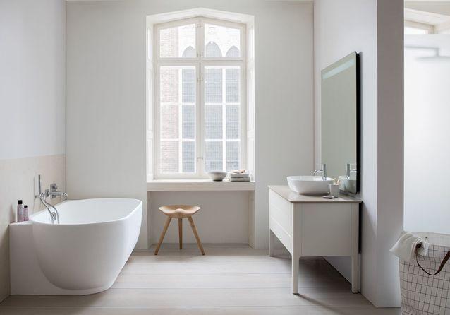 Jouer la carte du minimalisme pour une salle de bains zen