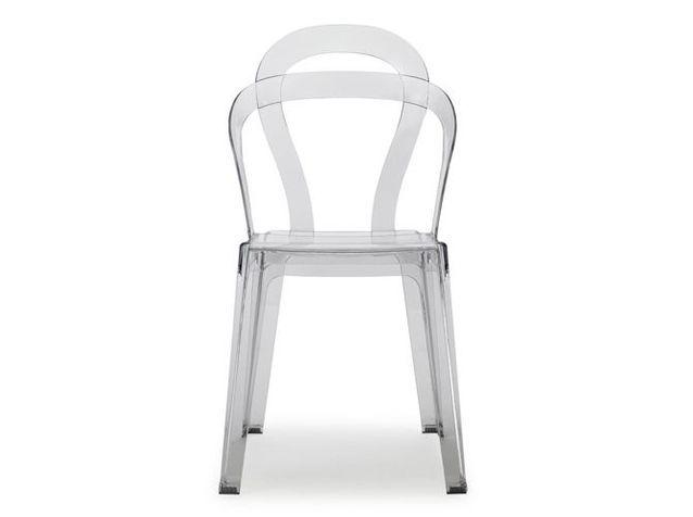 les chaises transparentes