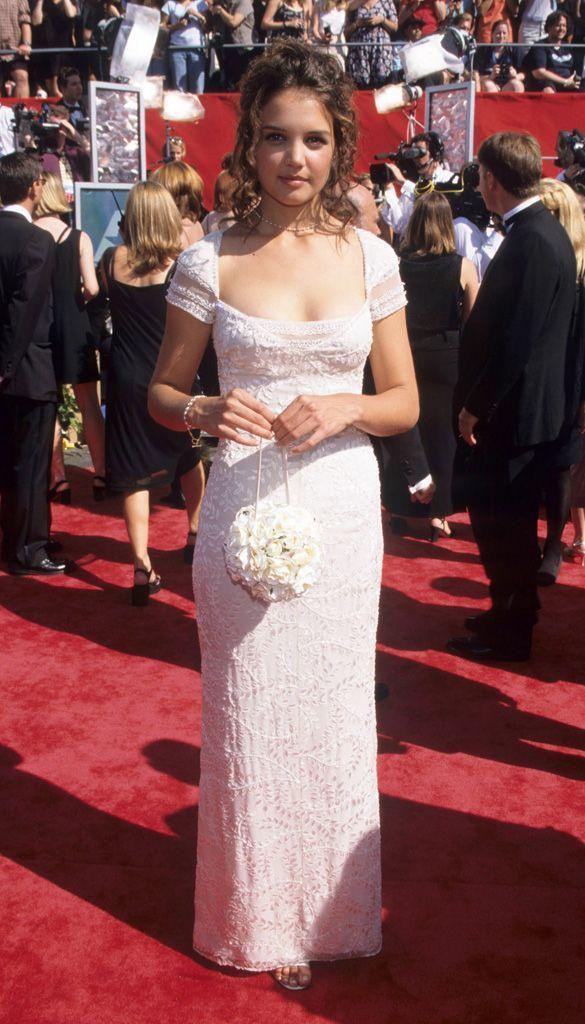 Katie Holmes lors des Emmy Awards, en 1998