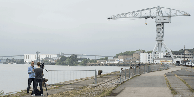 14 personnes ont chuté dans la Loire, le long du quai Wilson à Nantes, au cours d'une opération de police polémique.