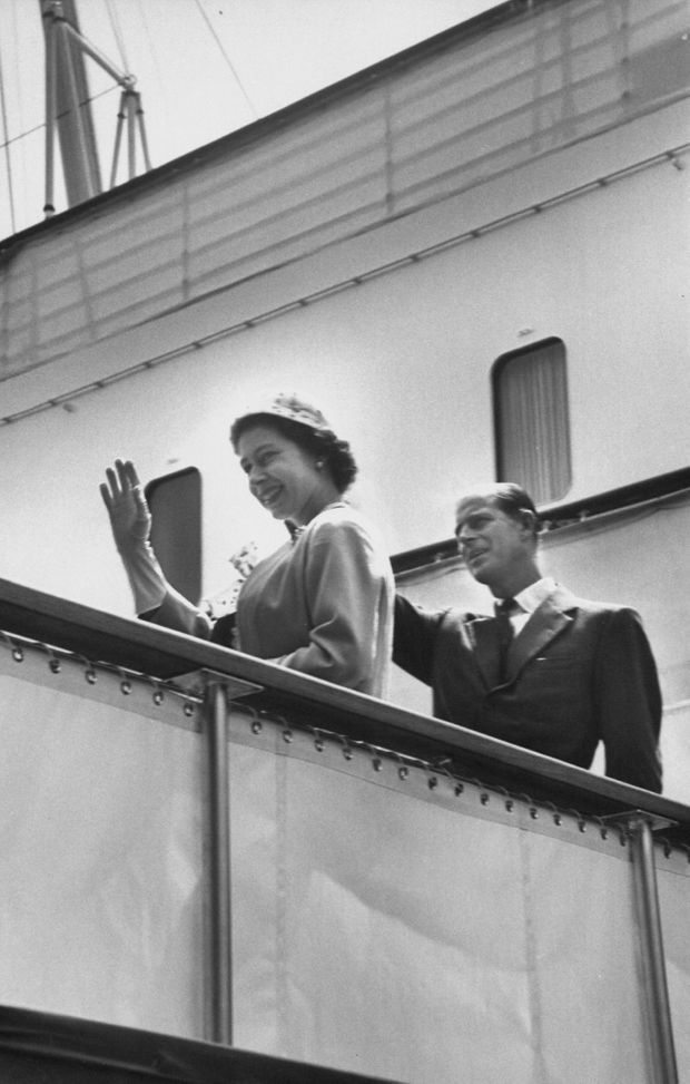 La reine Elizabeth II et son époux Philip sur le Britannia, au Canada en juin 1959.