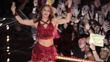 Shakira adopte un look d'adolescente… son étonnante métamorphose !