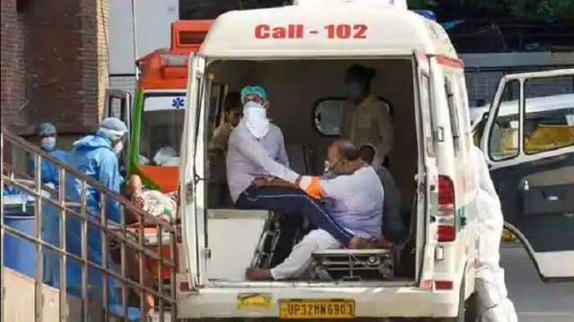 Record spike of 2224 COVID cases in Delhi takes tally to over 41000, death toll climbs to 1327- India TV Hindi