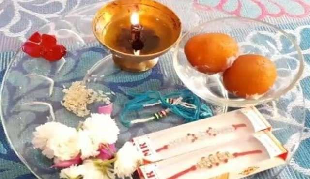 राखी की थाली में जचरूर रखें ये चीजें- India TV Hindi