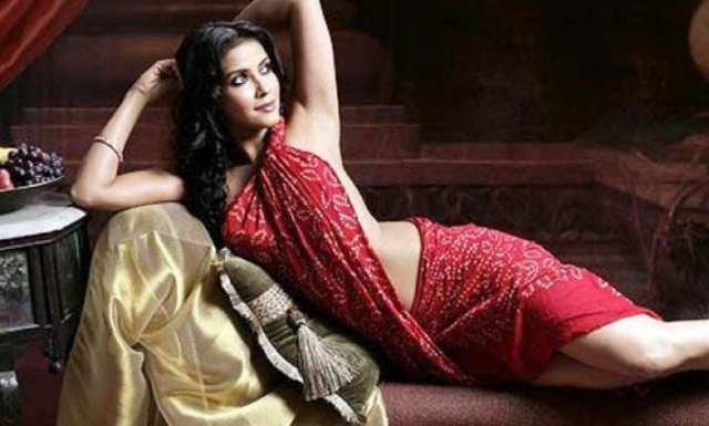Nandana Gets Hate Mail For Nudity In Rang Rasiya