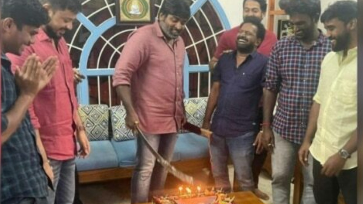 People criticise Vijay Sethupathi for cutting birthday cake with sword,  actor issues apology note | Regional-cinema News – India TV